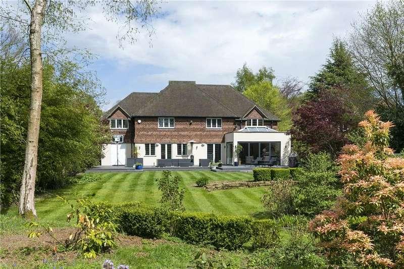 5 Bedrooms Detached House for sale in Woodland Avenue, Cranleigh, Surrey, GU6