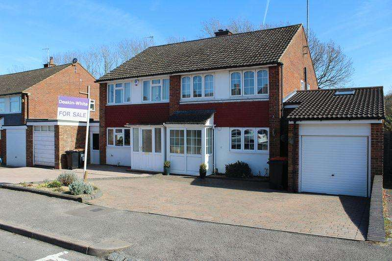 4 Bedrooms Semi Detached House for sale in Cartmel Drive, South West Dunstable