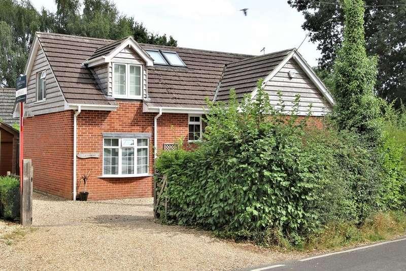 4 Bedrooms Chalet House for sale in Alderholt Road, Sandleheath, Fordingbridge, SP6