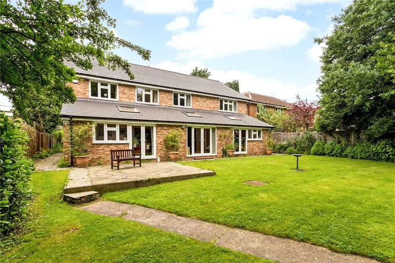 7 Bedrooms Detached House for sale in Chaldon Common Road, Chaldon, Surrey, CR3