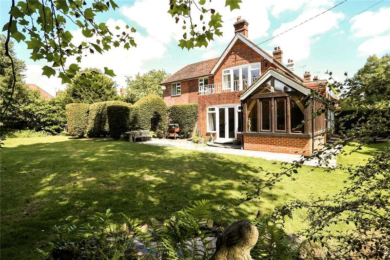 4 Bedrooms Detached House for sale in Passfield Common, Passfield, Liphook, Hampshire, GU30