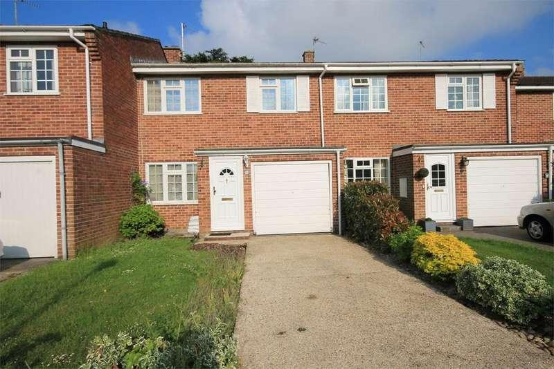 3 Bedrooms Terraced House for sale in Speen Lodge Court, Speen, NEWBURY, RG14