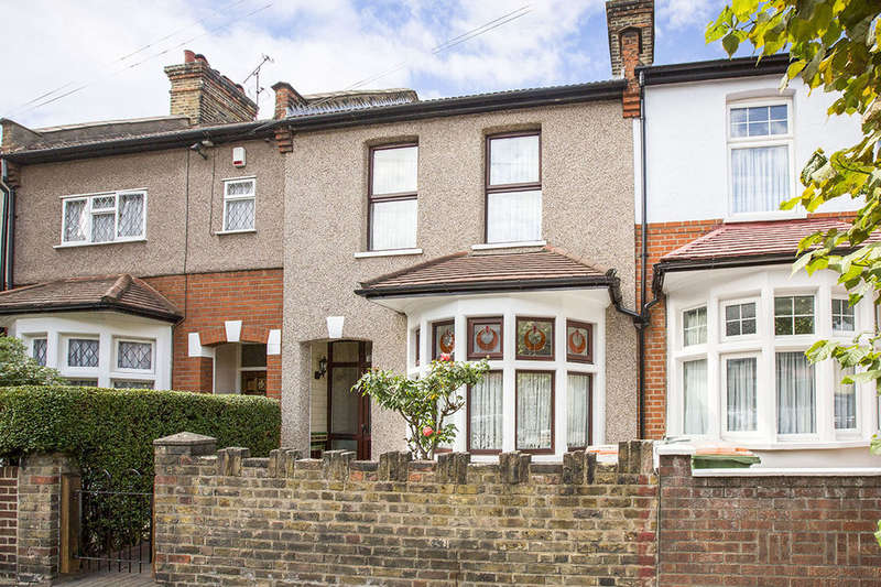 2 Bedrooms Terraced House for sale in Cumberland Road, London, E13