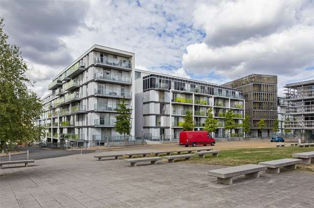 Flat for sale in Emerson Apartments, Chadwell Lane, Hornsey, N8