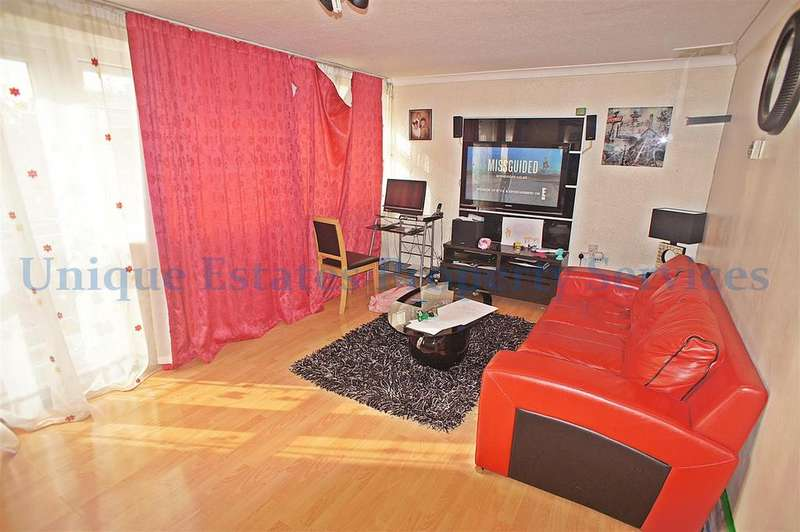 3 Bedrooms Maisonette Flat for sale in Bounces Road, London