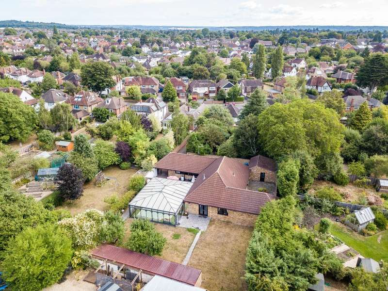 4 Bedrooms Detached Bungalow for sale in Allenby Road, Maidenhead
