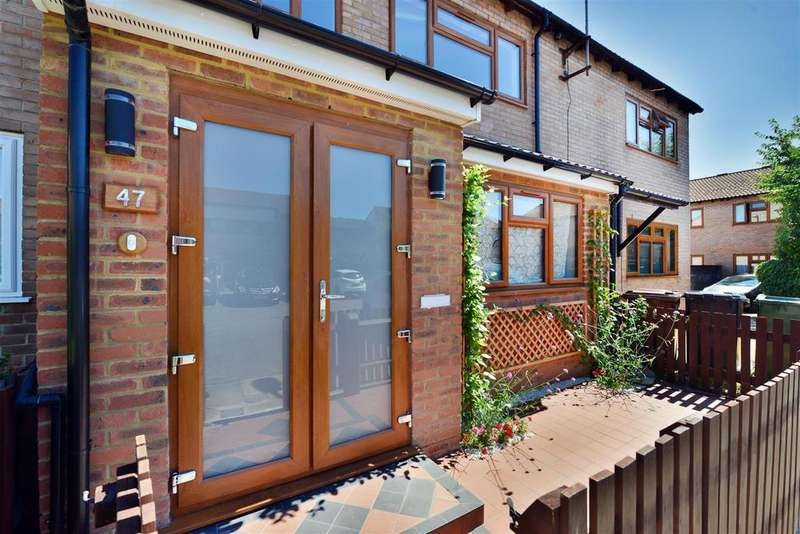 3 Bedrooms Terraced House for sale in Lennox Road, Walthamstow, London