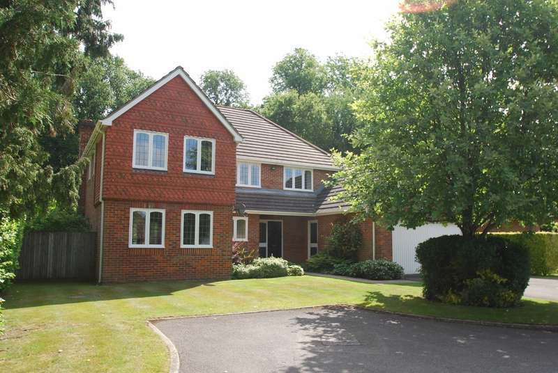 5 Bedrooms Detached House for sale in Heatherton Park, Amersham, HP6