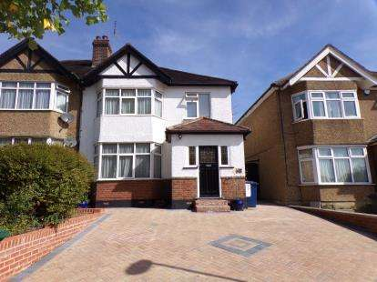 3 Bedrooms Semi Detached House for sale in Friern Park, London