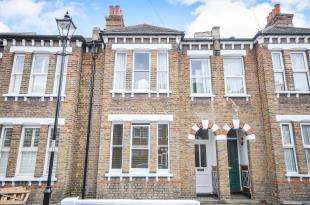3 Bedrooms Terraced House for sale in Gillian Street, Ladywell, London