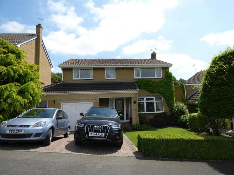4 Bedrooms Detached House for sale in Stocksbank Drive, Mirfield, WF14 0HB