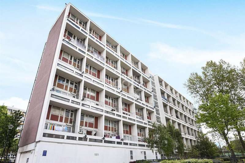 2 Bedrooms Flat for sale in Barrington Road, Brixton, SW9