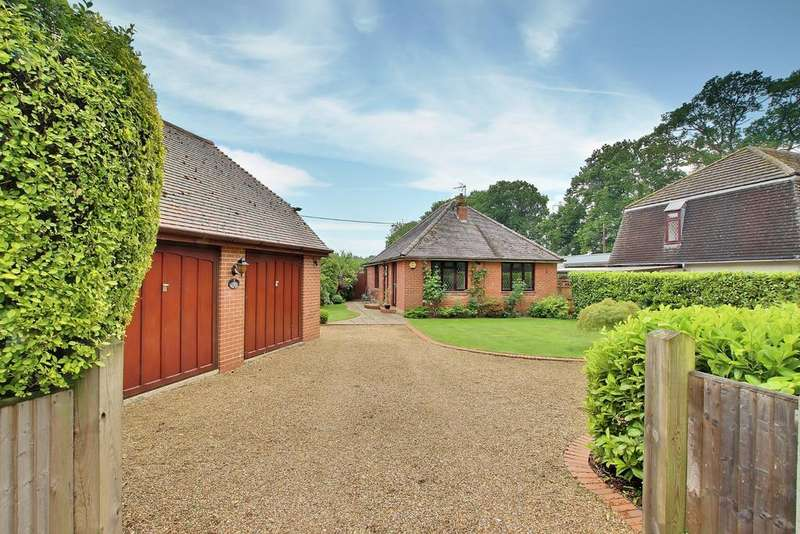 2 Bedrooms Detached Bungalow for sale in NORTH BADDESLEY