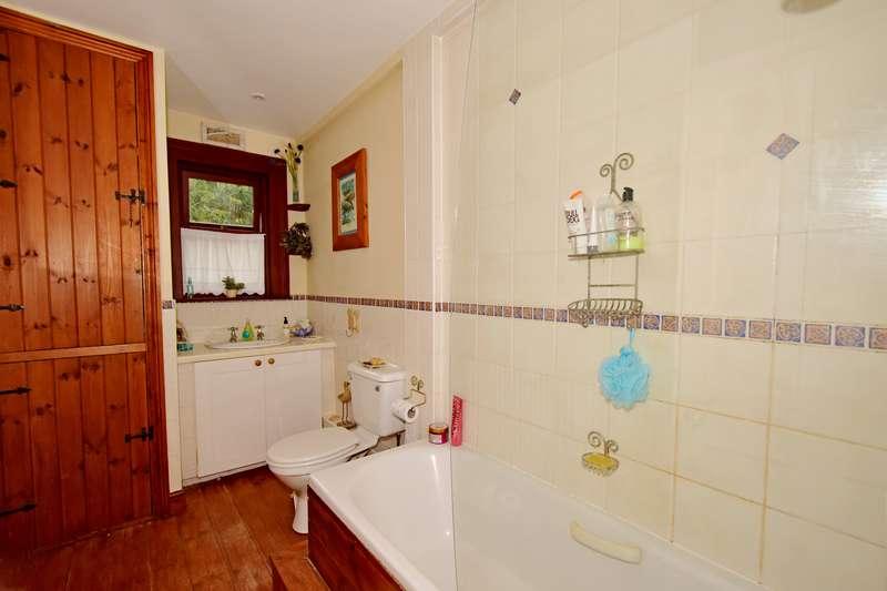 6 Bedrooms Property for sale in Longburton, Dorset