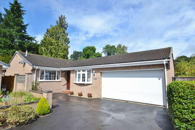 3 Bedrooms Bungalow for sale in West Moors