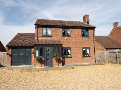 4 Bedrooms Detached House for sale in Upwell, Norfolk