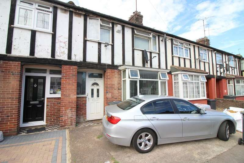 3 Bedrooms Terraced House for sale in Connaught Road, Luton, Bedfordshire, LU4 8EP