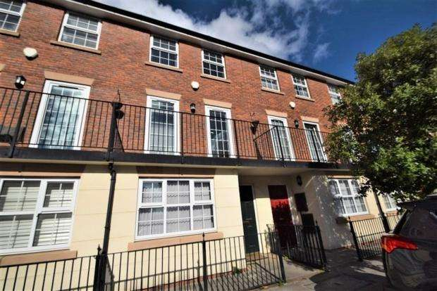 4 Bedrooms Terraced House for sale in Bandy Fields Place, Salford, M7 2ZT