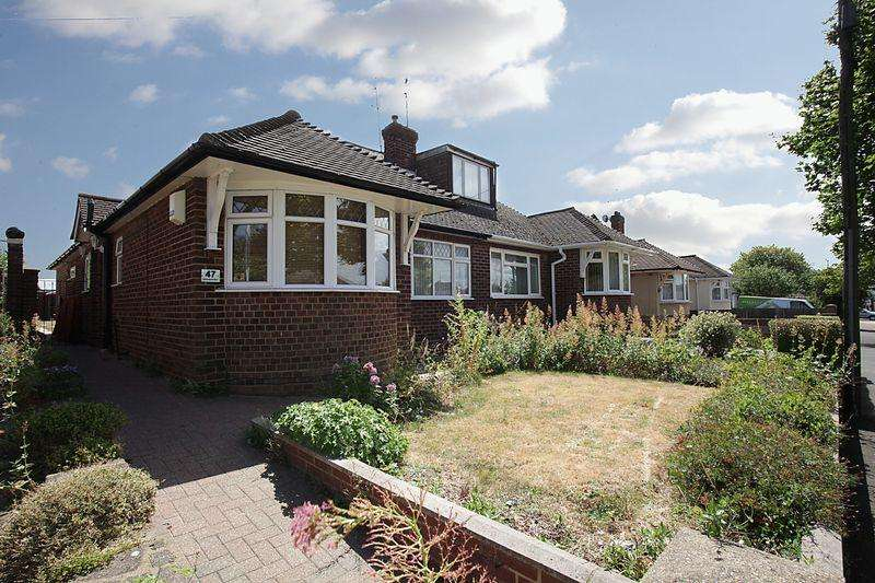 2 Bedrooms Semi Detached Bungalow for sale in Bungalow In North Luton With Building Potential