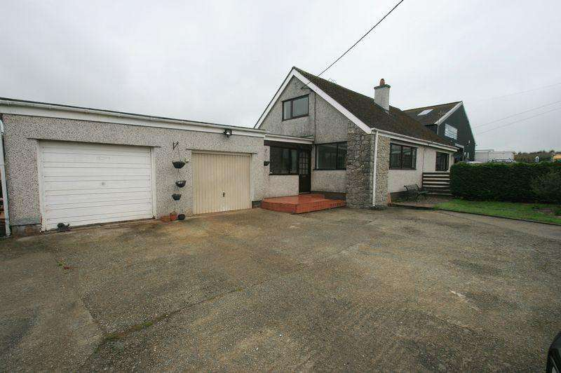 4 Bedrooms Detached House for sale in Star, Anglesey