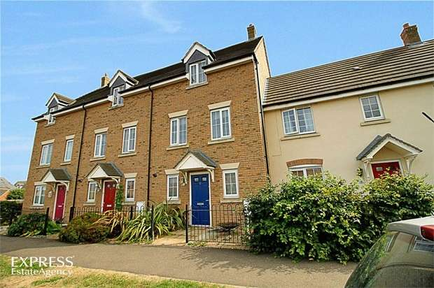 3 Bedrooms Town House for sale in Greenacres Drive, Bourne, Lincolnshire