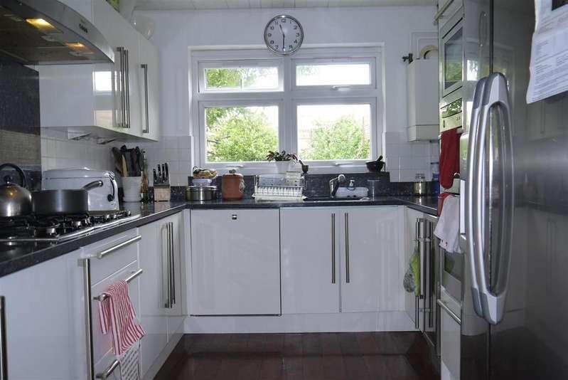 4 Bedrooms Terraced House for sale in Farleigh Road, London, N16