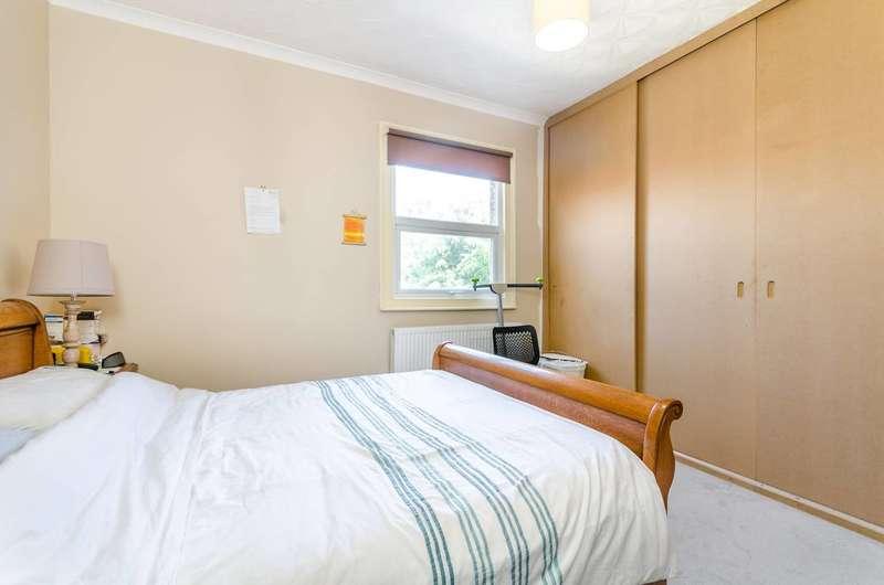 2 Bedrooms Flat for sale in Arngask Road, Catford, SE6
