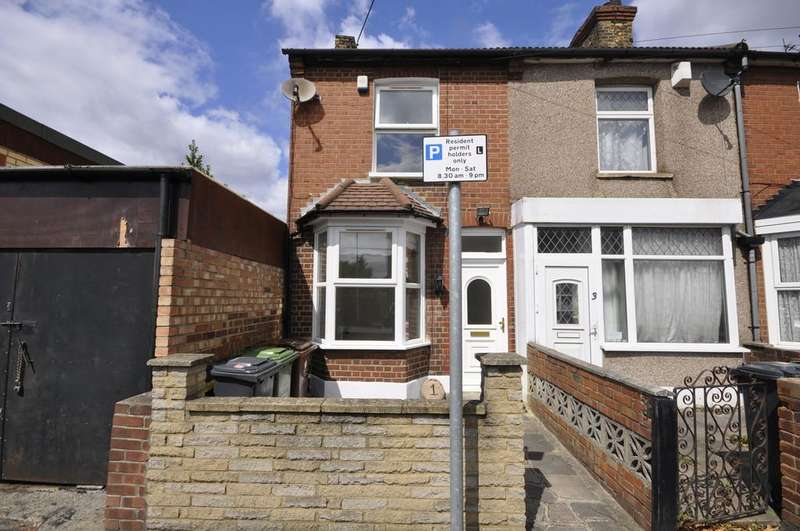 2 Bedrooms Terraced House for sale in St. Johns Road, Barking
