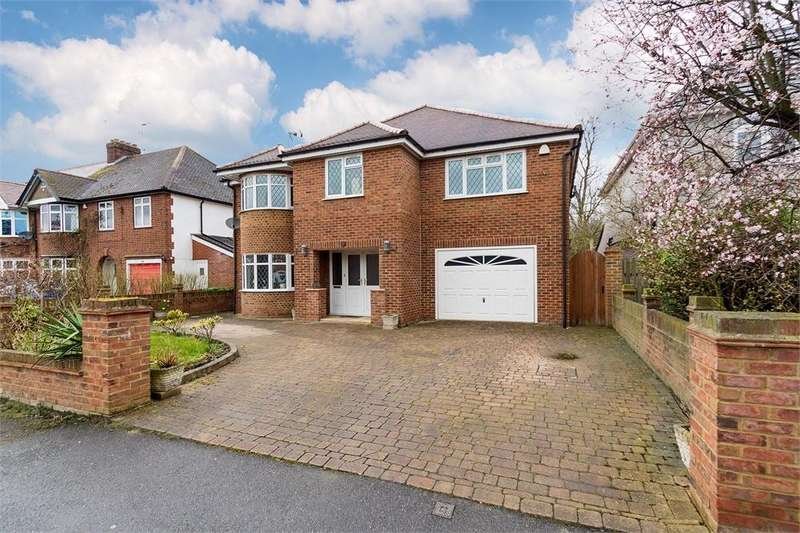 5 Bedrooms Detached House for sale in Sutton Avenue, Langley, Berkshire