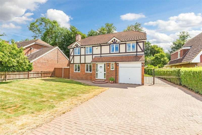 4 Bedrooms Detached House for sale in Frays Avenue, West Drayton, Middlesex