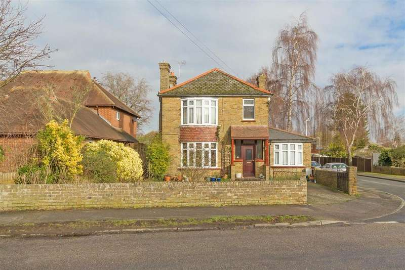 4 Bedrooms Detached House for sale in Park Avenue, South Sittingbourne