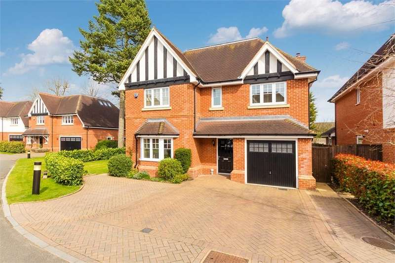 5 Bedrooms Detached House for sale in Lambourne Close, Burnham, Buckinghamshire