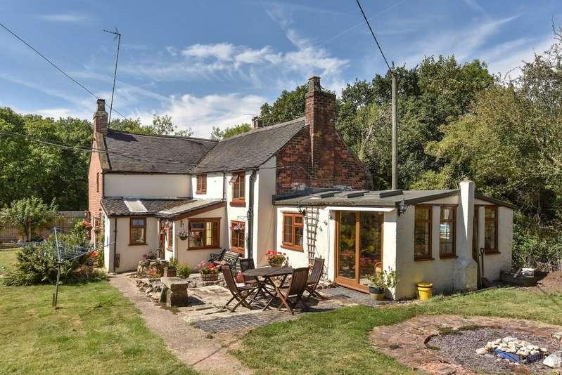 3 Bedrooms Detached House for sale in Lower Kilburn DERBYSHIRE