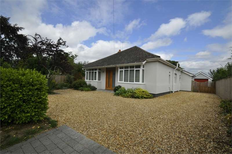 3 Bedrooms Detached Bungalow for sale in Broadshard Lane, RINGWOOD, Hampshire