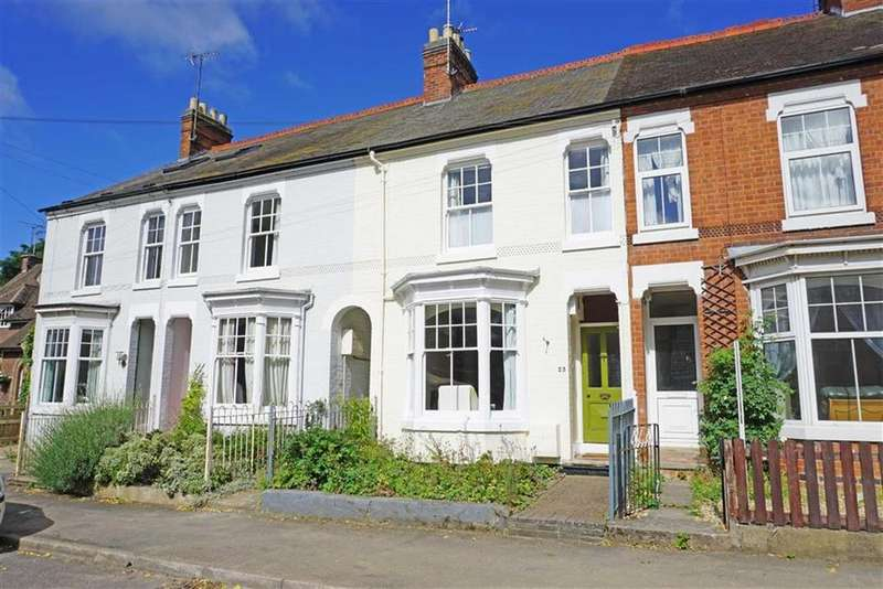 3 Bedrooms Terraced House for sale in Victoria Avenue, Market Harborough