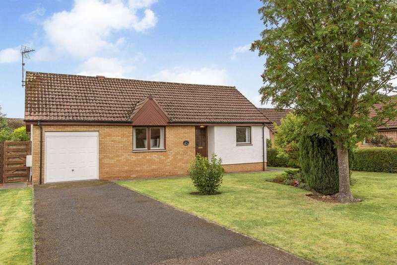 3 Bedrooms Detached Bungalow for sale in Rowanlea, 12 The Glebe, East Linton, EH40 3EF
