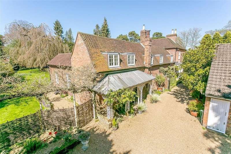 6 Bedrooms Detached House for sale in The Street, Slinfold, Horsham, West Sussex