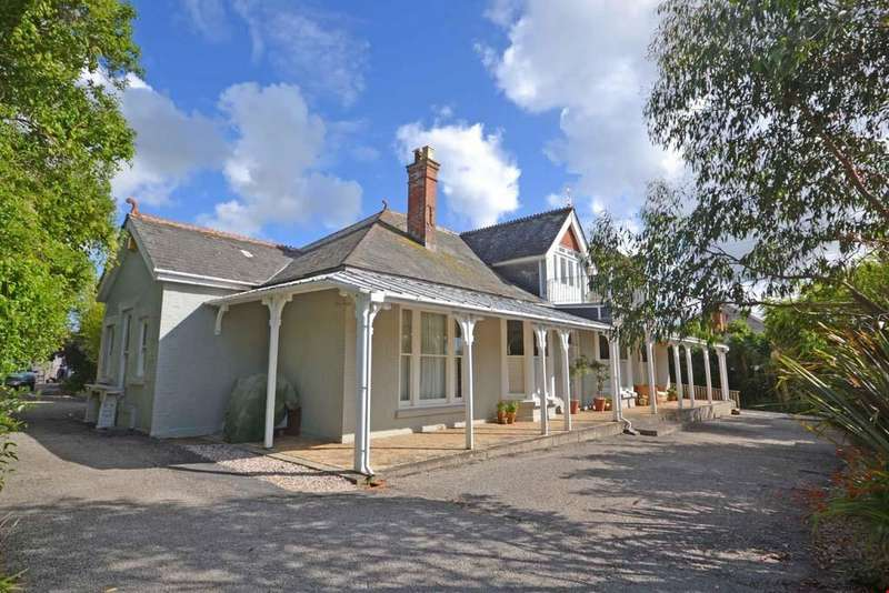 5 Bedrooms Detached House for sale in Hayle, Nr. St Ives, Cornwall