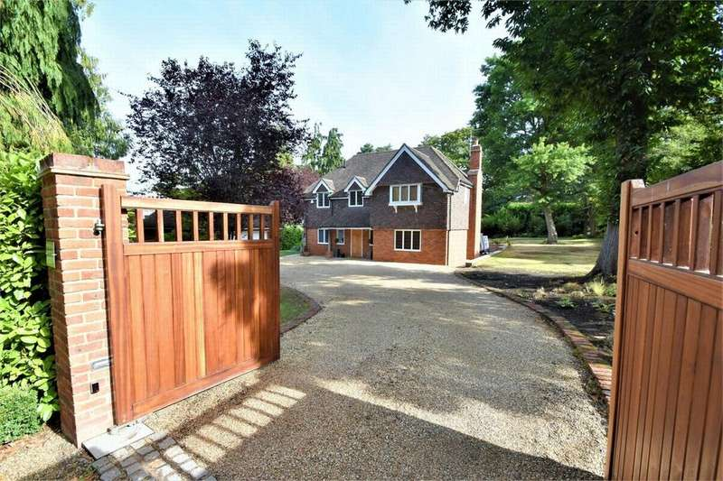 5 Bedrooms Detached House for sale in Sandy Lane, CAMBERLEY, Surrey