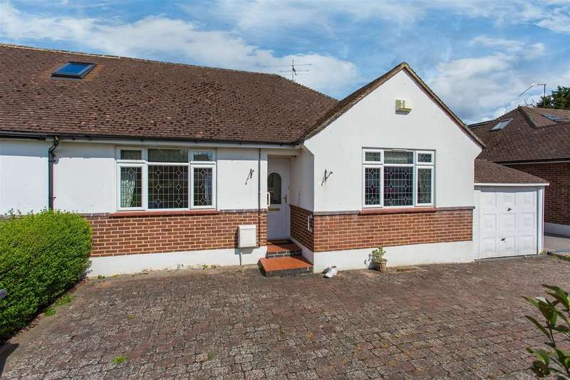 2 Bedrooms Semi Detached Bungalow for sale in Ray Lea Road, Maidenhead