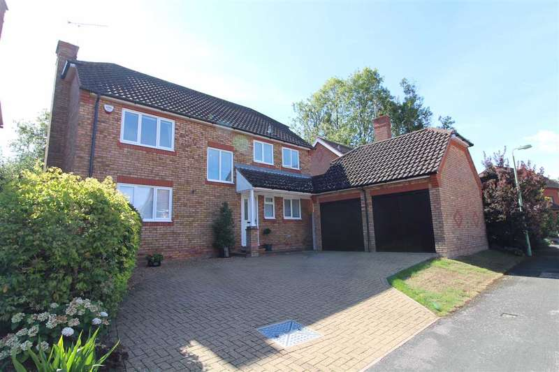 4 Bedrooms Detached House for sale in Collinsons, Ipswich