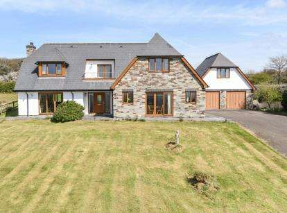 5 Bedrooms Detached House for sale in Lanteglos, Camelford, Cornwall