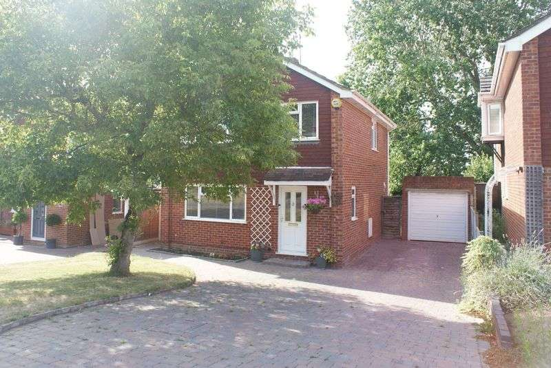 3 Bedrooms Property for sale in Sidmouth Grange Close, Earley