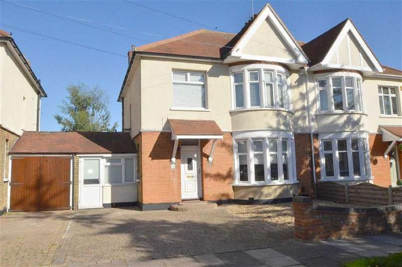 4 Bedrooms Semi Detached House for sale in Sackville Road, Southend-on-sea