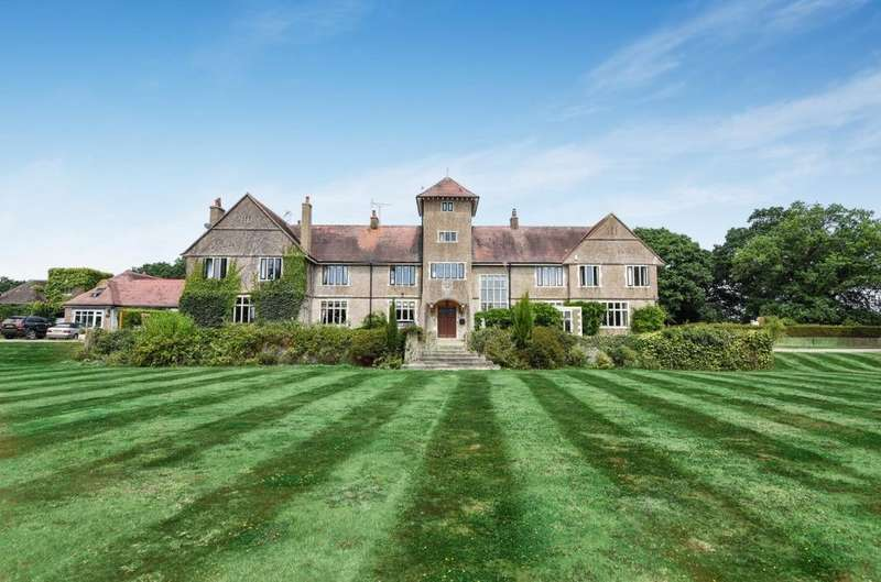 5 Bedrooms Terraced House for sale in Mill Lane, Sayers Common, West Sussex, BN6