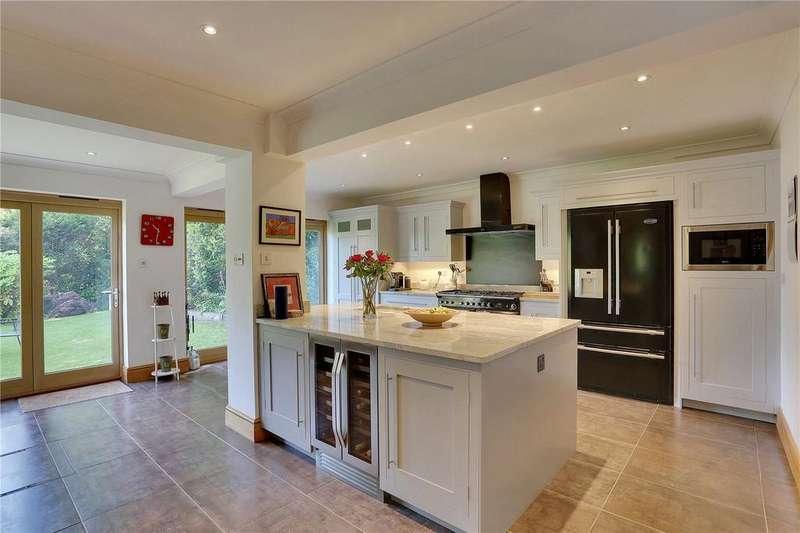 4 Bedrooms Detached House for sale in Manor Park, Tunbridge Wells, Kent, TN4