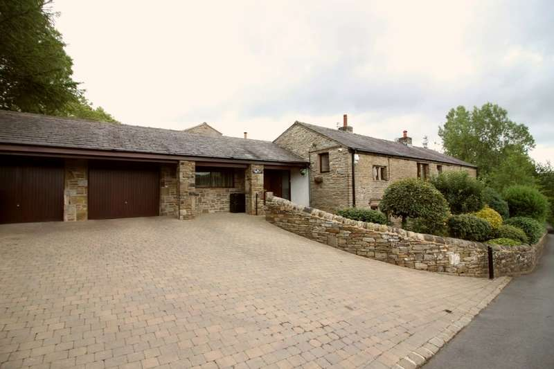 4 Bedrooms Detached House for sale in Hurst Lane, Rossendale, BB4