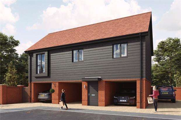 2 Bedrooms Detached House for sale in Old Wokingham Road, Crowthorne, Berkshire