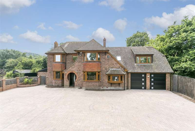 4 Bedrooms Detached House for sale in 183 The Heath, East Malling, West Malling