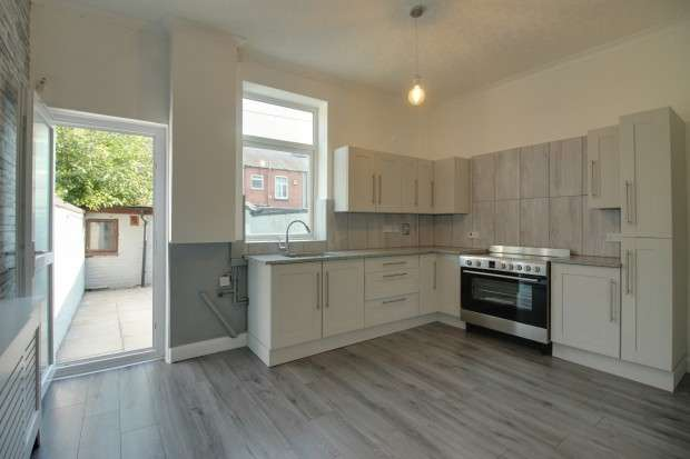 2 Bedrooms Terraced House for sale in Bolton Road, Manchester , M26